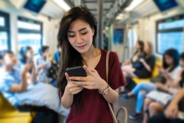 Generasi Millenial Dominasi Pengguna Internet di Indonesia (140702)