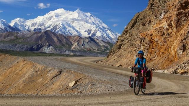 Dokter Ratna Berkeliling Amerika dengan Sepeda