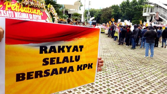 Demo di depan KPK