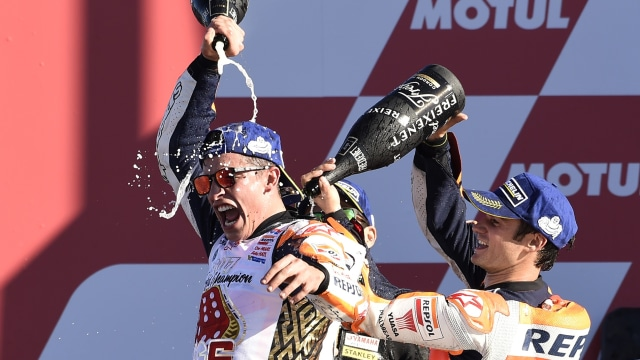 Marquez dan Pedrosa merayakan kemenangan