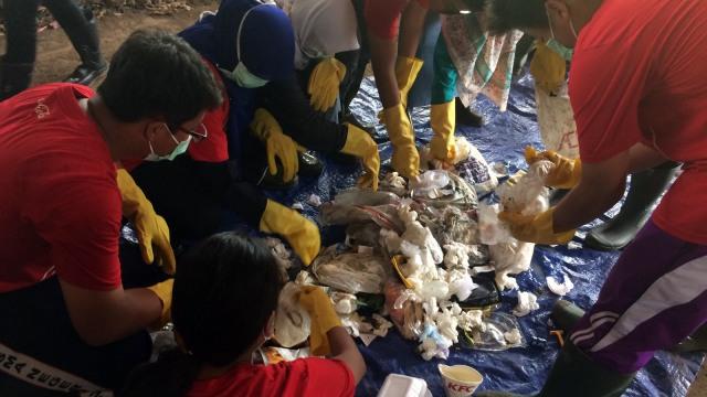 Plastic Reborn dan School Trip ke Bantar Gebang