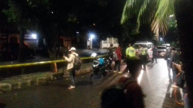 Tiang Listrik 'Saksi' Mobil Setya Novanto Celaka Dipasang Garis Polisi (771468)