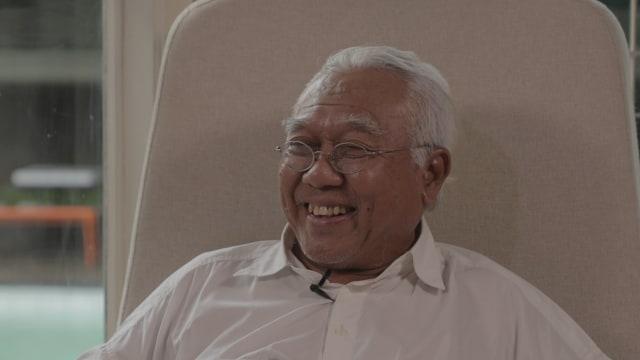 Danarto, sastrawan Indonesia