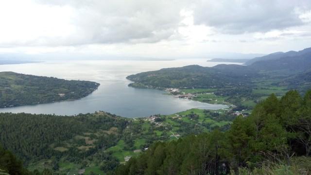 Panorama Danau Toba dari Sipinsur