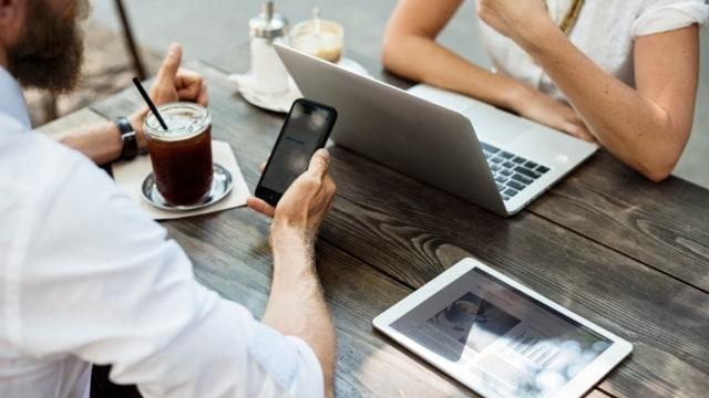 Kedekatan Generasi Milenial dengan Teknologi
