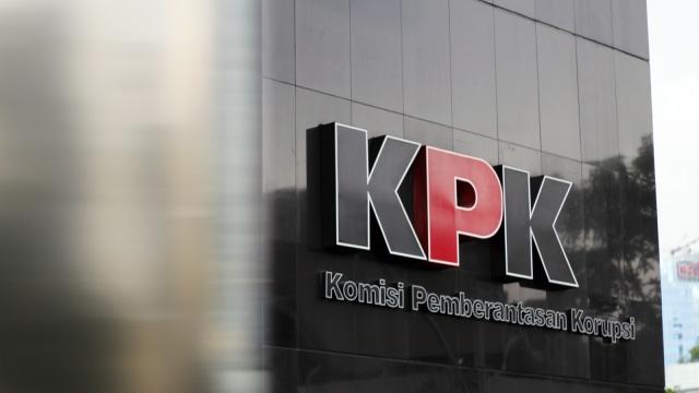 KPK Periksa Bupati Bengkalis, Usut soal Uang Rp 1,9 Miliar (136643)