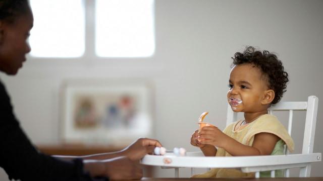 Memberi makan anak secara berlebihan