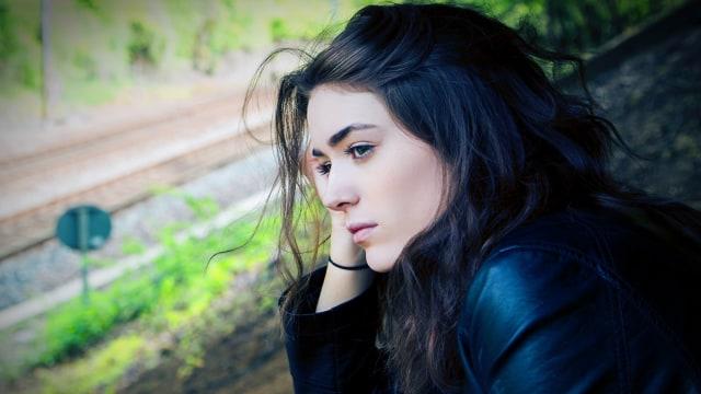 Perempuan yang mudah stres (COV)