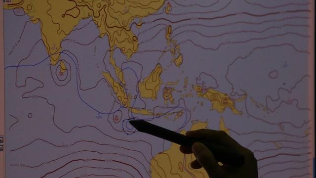 BMKG Deteksi Bibit Siklon Tropis 94W, Masyarakat Diminta Waspada (34825)