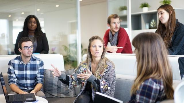 5 Tips untuk Meningkatkan Kemampuan Public Speaking (32856)