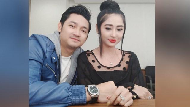 Dewi Persik dan sang suami