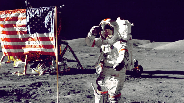Astronaut di Bulan