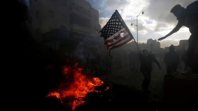 Protes Berdarah di Tepi Barat, Roket Ditembakkan dari Gaza ke Israel (266381)