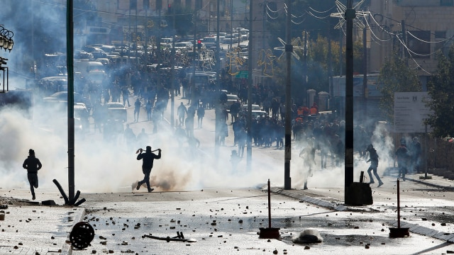 Protes Berdarah di Tepi Barat, Roket Ditembakkan dari Gaza ke Israel (266379)