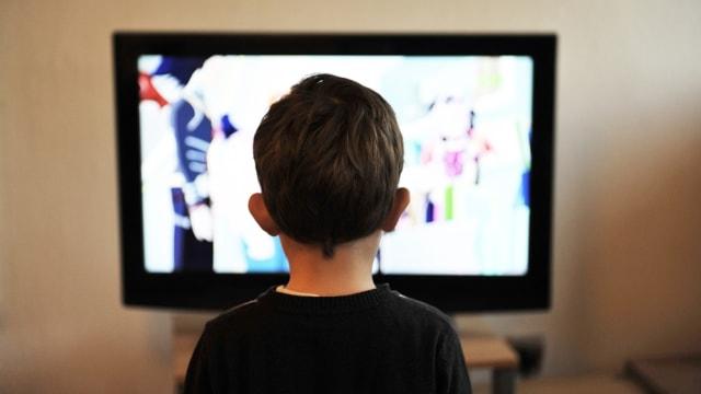 Kebiasaan menonton film pada anak