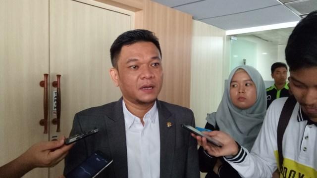 Demo PPKM 'Jokowi End Game', Politikus Golkar Imbau di Medsos Saja (14573)
