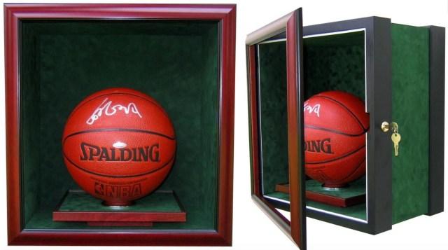 Supreme Rilis Bola Basket Seharga Rp 338 Juta (242814)