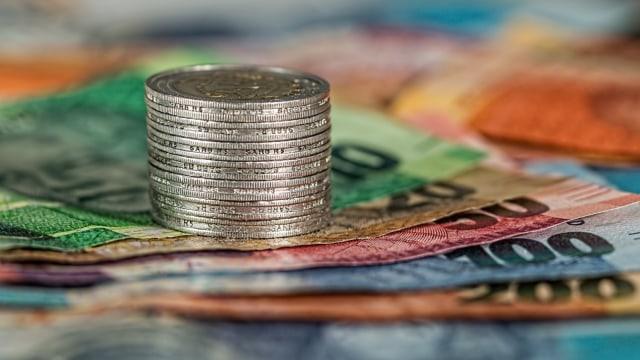Ilustrasi uang cash