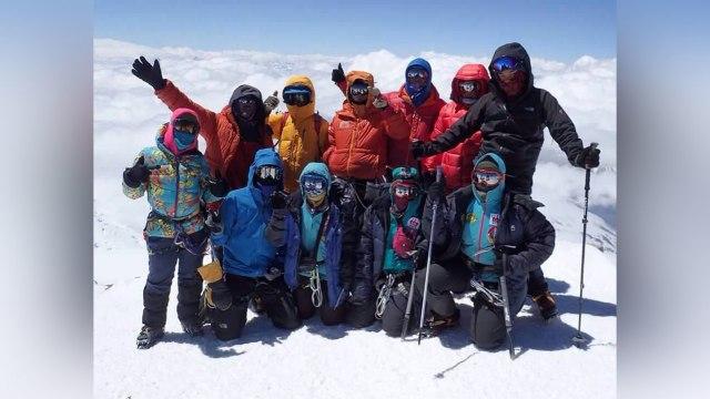 Kisah Mathilda dan Dimitri, Pendaki Puncak Gunung Tertinggi di Dunia (39533)