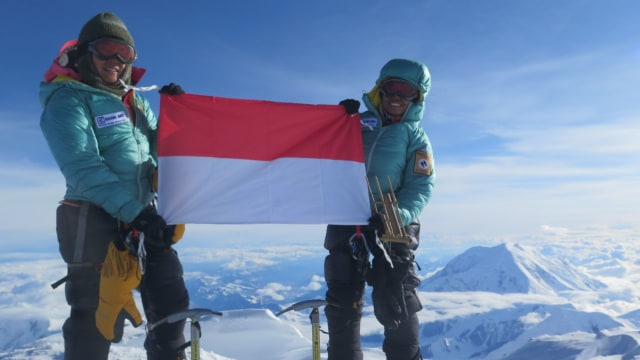 Kisah Dua Srikandi Indonesia Menapaki Puncak Dunia (37737)