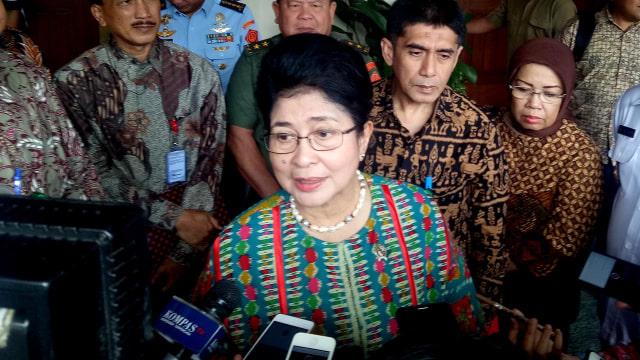 Menteri Kesehatan, Nila Moeloek