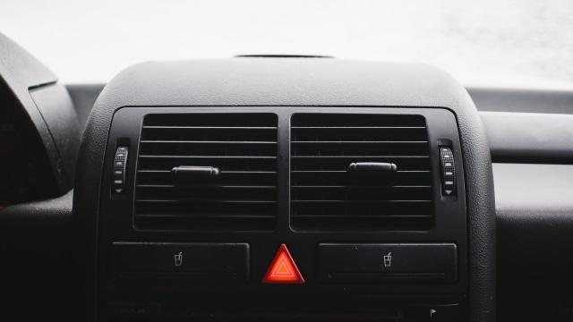 Hindari Kesalahan Pengemudi Mobil Saat Berkendara di Kondisi Hujan (6018)