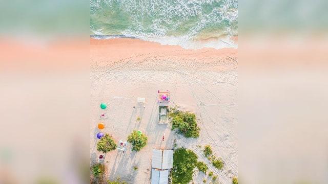 Menikmati Indahnya Matahari Terbenam di Pantai Lampu'uk, Aceh (31768)