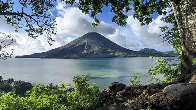 Menilik Surga Tersembunyi di Banda Neira, Maluku Tengah (117490)