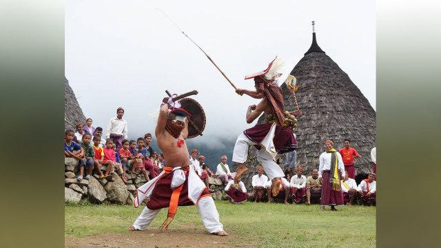 Ritual Penti, Cara Penduduk Lokal Wae Rebo Sambut Tahun Baru (286470)