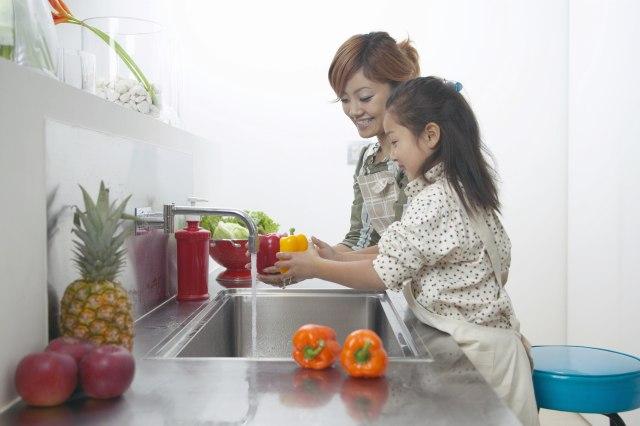 5 Hal yang Bisa Anak Bantu di Rutinitas Pagi Keluarga (21111)
