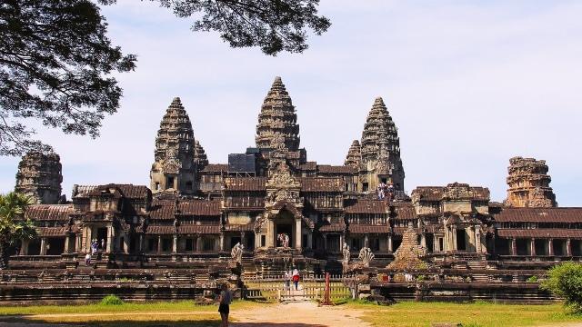Pemerintah Kamboja Larang Pengunjung Bawa Makanan ke Dalam Angkor ...