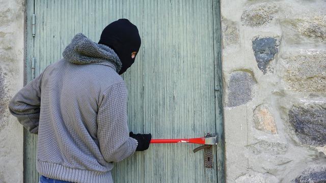 Polisi Tangkap 5 Maling yang Kuras Isi Rumah Mewah di Jakbar (432024)