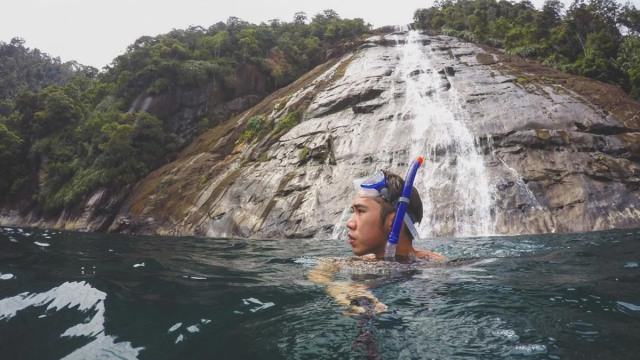 Menjelajahi Air Terjun Ikonik di Pulau Mursala, Tapanuli (13837)