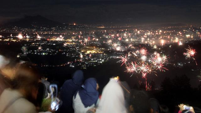 Perayaan malam tahun baru di Puncak