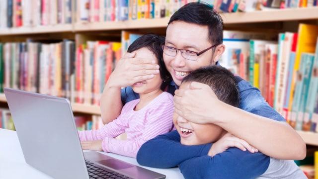 Damping anak agar tidak kecanduan pornografi