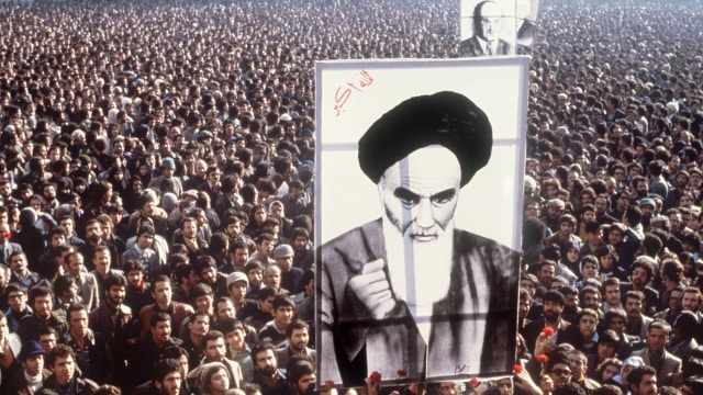 Ayatollah Khamenei dan Bayang Revolusi Iran (63365)