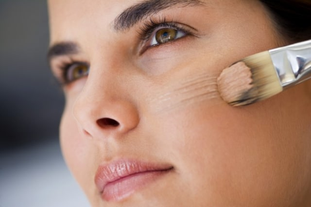 10 Tips Makeup untuk Kamu si Pemilik Wajah Kering (58463)