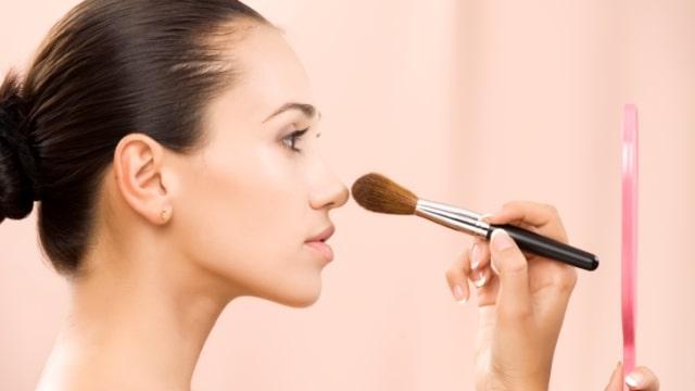 10 Tips Makeup untuk Kamu si Pemilik Wajah Kering (58462)