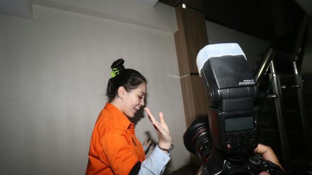Pakai Baju Tahanan saat Kasusnya Dirilis, Jennifer Dunn Cengengesan (260869)