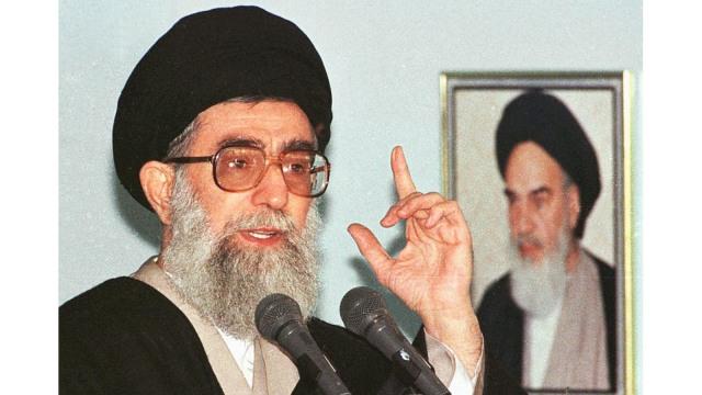 Ayatollah Khamenei dan Bayang Revolusi Iran (63366)