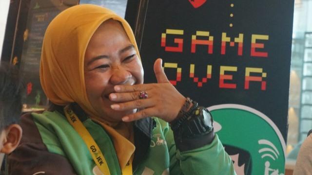 Pengemudi Gojek wanita, Siti Qomariyah