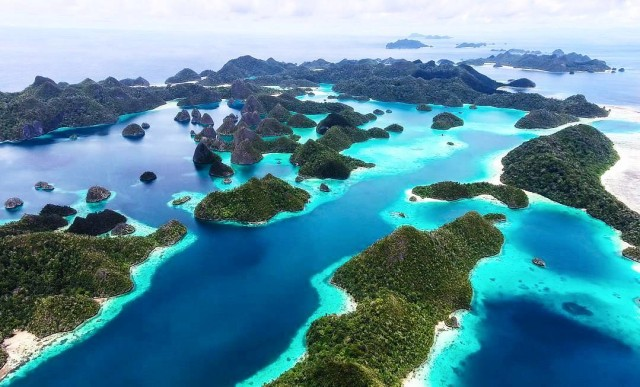 Pulau Raja Ampat (NOT COVER)
