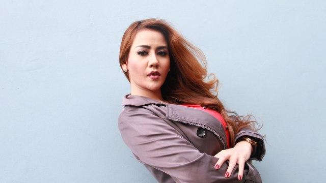 Pernyataan Nita Thalia soal Penghasilan yang Dipotong 40 Persen Dibantah Suami (71934)