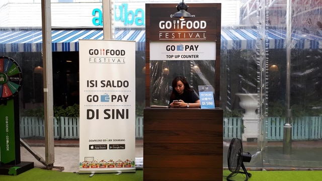 Booth top up GoPay di GoFood Festival