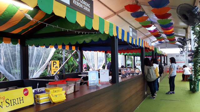 Booth makanan GoFood Festival