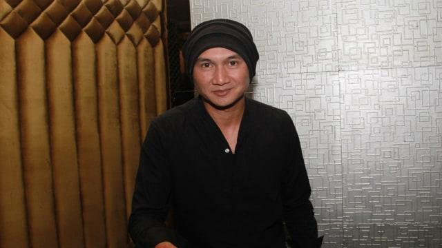 YouTube Take Down Video Wawancara Anji dengan Hadi Pranoto  (1196839)