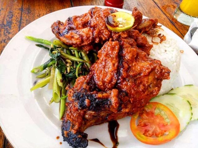 5 Restoran Di Jakarta Yang Suguhkan Ayam Bakar Taliwang Pedas