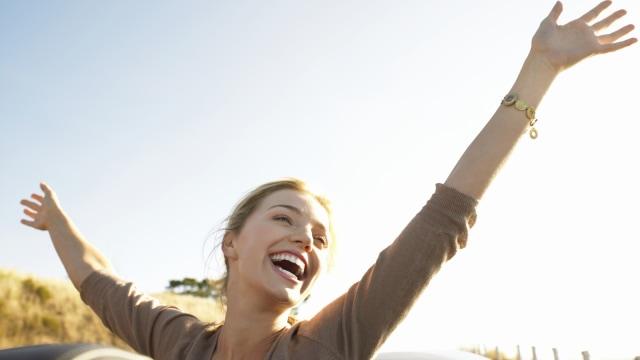 Ilustrasi perempuan yang bahagia