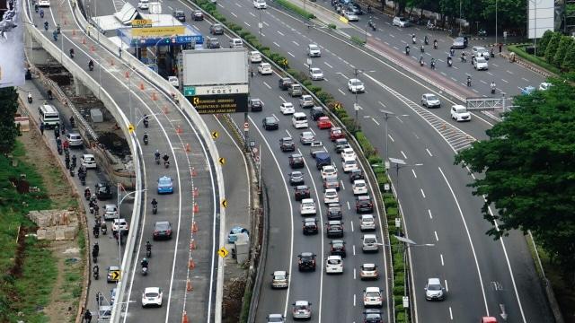Foto dari Udara: Flyover Peredam Macet di Pancoran (28800)
