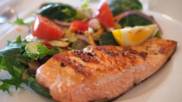 Turunkan Kolesterol Usai Lebaran dengan 8 Makanan dan Minuman Ini (138115)
